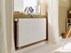 暖气片不是随便挂在墙上的!正确安装试是这样...